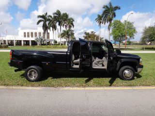 2001 Chevrolet Silverado Ls 3500 6.  6 Turbo Diesel Crew Cab Dually photo