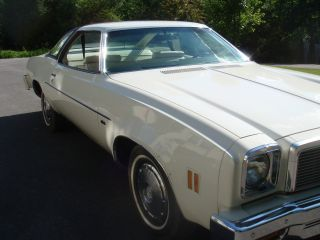 1976 Chevrolet Chevelle Malibu Classic Coupe 2 - Door 5.  0l photo