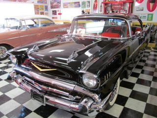 1957 Chevrolet Bel Air 2 Door Hardtop photo