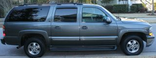 2001 Chevrolet Suburban 1500 Lt Sport Utility 4 - Door 5.  3l photo