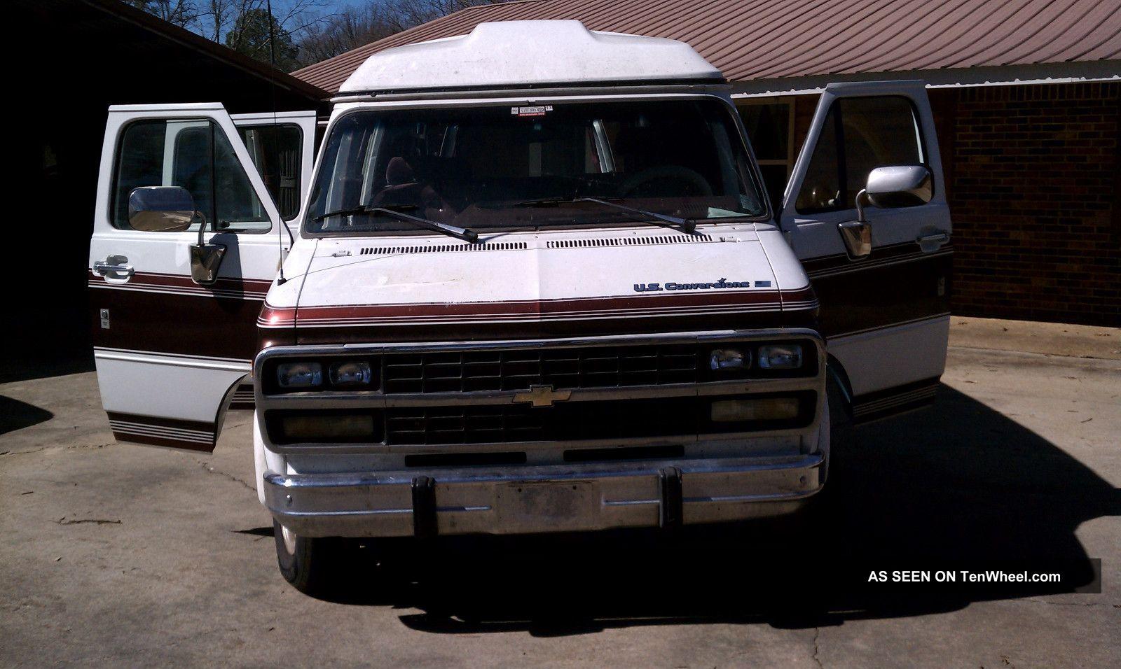 1993 Chevrolet G20 Sportvan Extended Passenger Van 3