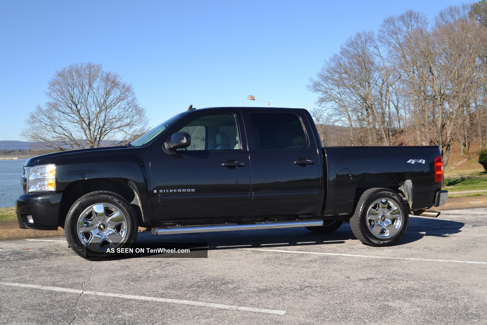 2009 chevrolet silverado 1500 ltz crew cab pickup 4 door 5 3l black 4x4. Black Bedroom Furniture Sets. Home Design Ideas