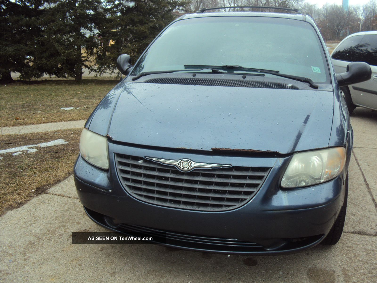 2001 chrysler voyager lx mini passenger van 4 door 3 3l town and country. Black Bedroom Furniture Sets. Home Design Ideas