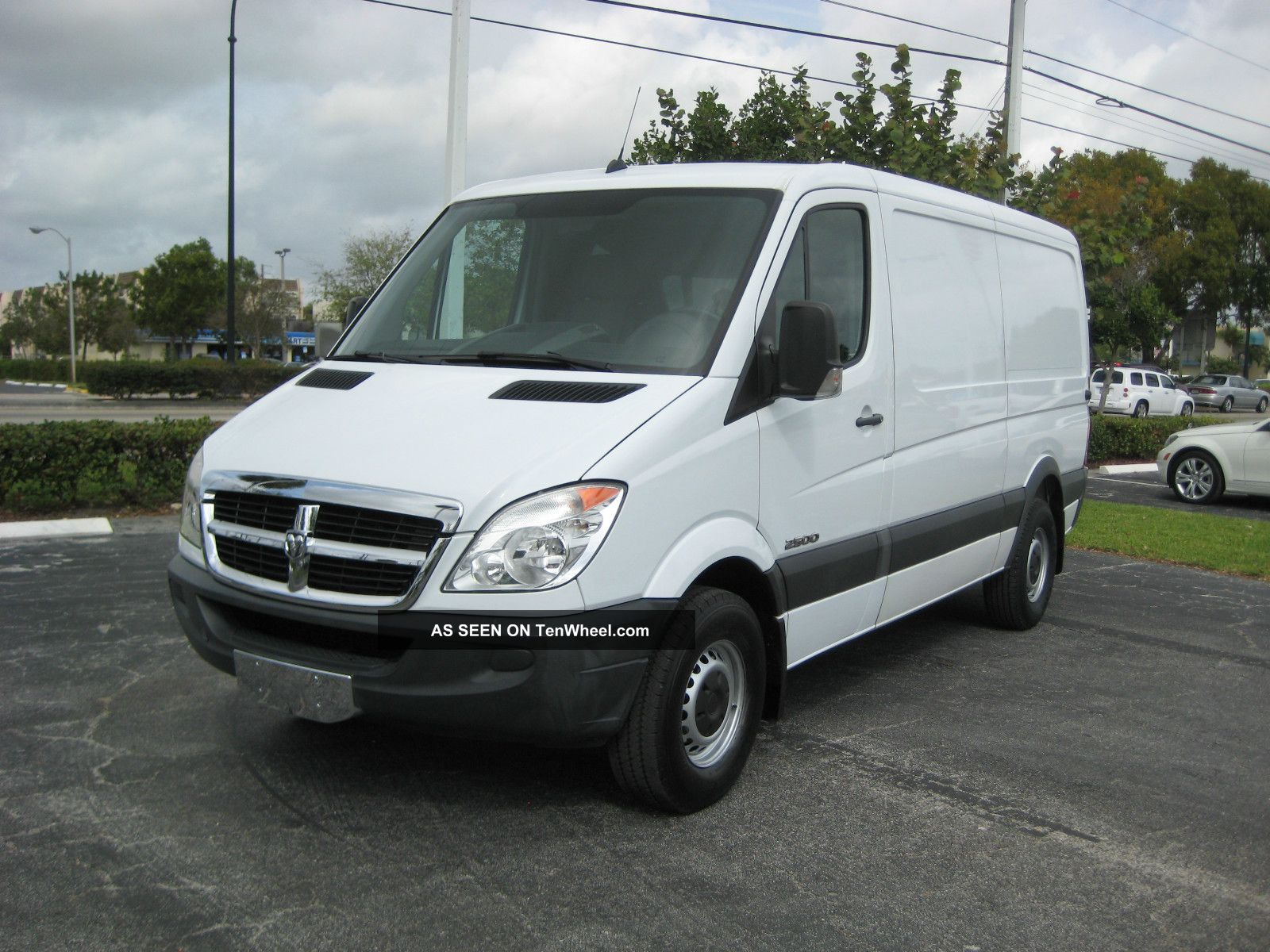 2008 dodge sprinter 2500 base standard cargo van 3 door. Black Bedroom Furniture Sets. Home Design Ideas