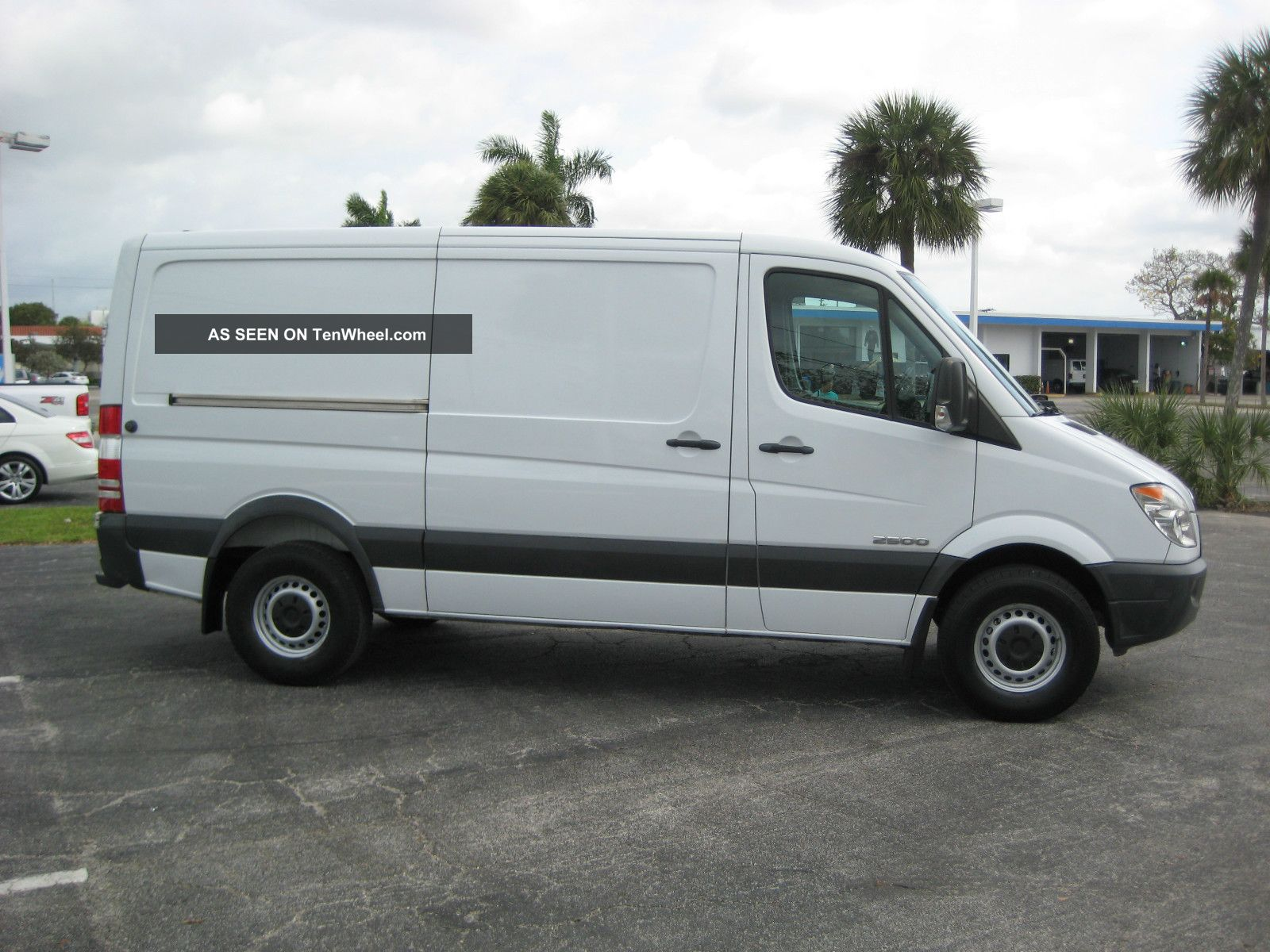2008 dodge sprinter 2500 base standard cargo van 3 door 3 0l. Black Bedroom Furniture Sets. Home Design Ideas