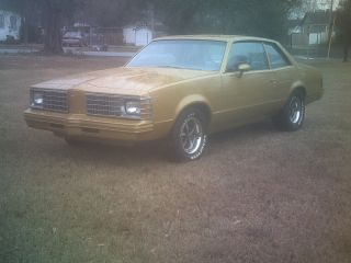 1979 Pontiac Lemans Base Coupe 2 - Door Small Block 350 photo