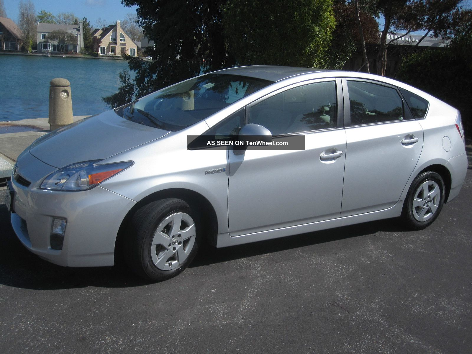 2010 toyota prius ii silver. Black Bedroom Furniture Sets. Home Design Ideas