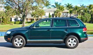 2005 Volkswagen Touareg V6 3.  2l 4wd photo