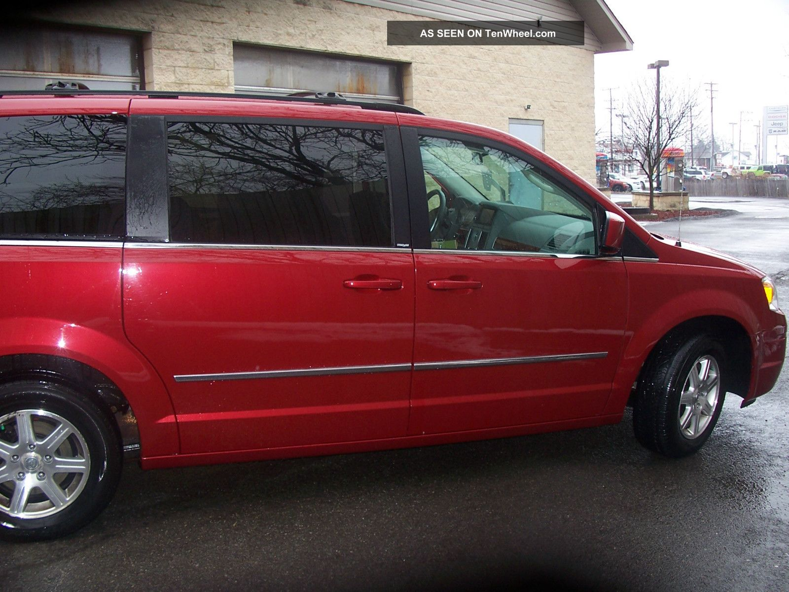 2009 chrysler town country touring. Black Bedroom Furniture Sets. Home Design Ideas