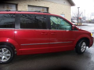 2009 Chrysler Town & Country Touring photo