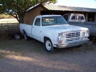 1977 Dodge 1 Ton Single Wheel photo