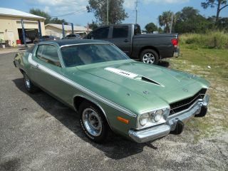 Plymouth; Road Runner 1974 318 With 360 Hds Clone photo