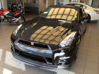 2014 Nissan Gt - R Supercar Black On Black Gtr photo