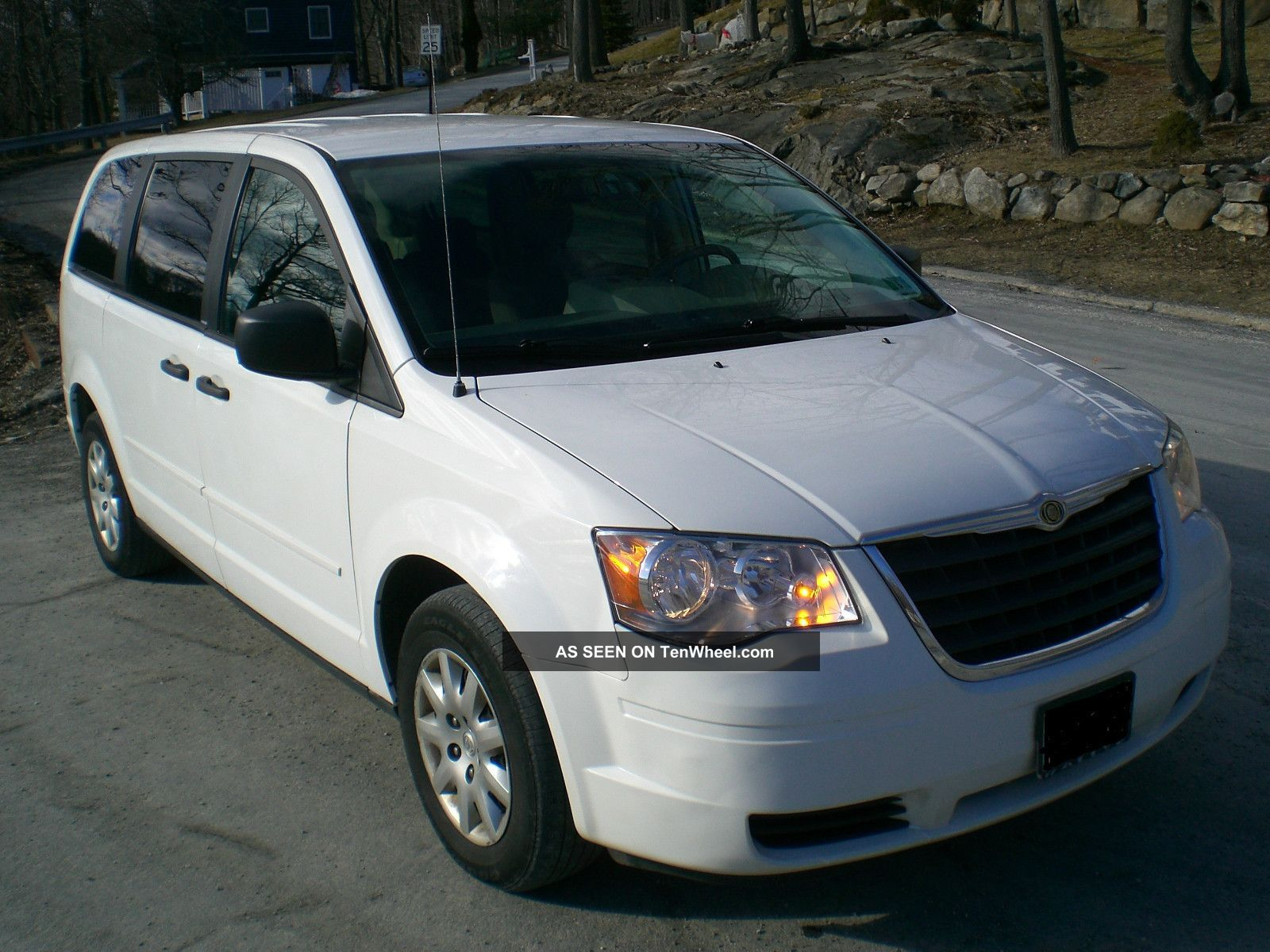 2008 chrysler town country lx 60k 3 3l 6cyl. Black Bedroom Furniture Sets. Home Design Ideas