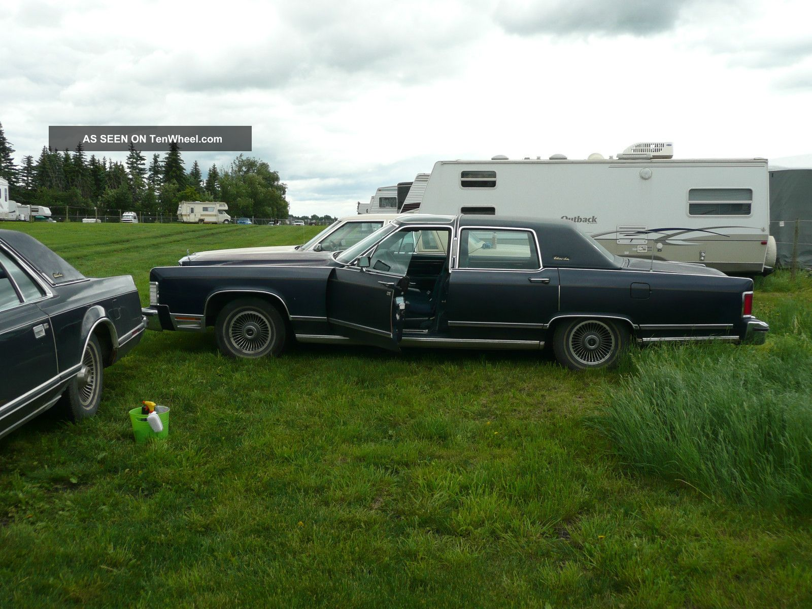 1979 lincoln continental town car collector series with uiltra rare glass roof. Black Bedroom Furniture Sets. Home Design Ideas
