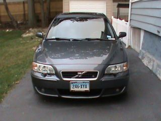 2006 Volvo S60 R Sedan 4 - Door 2.  5l photo