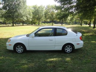 2005 Hyundai Accent Gls Hatchback 3 - Door 1.  6l photo