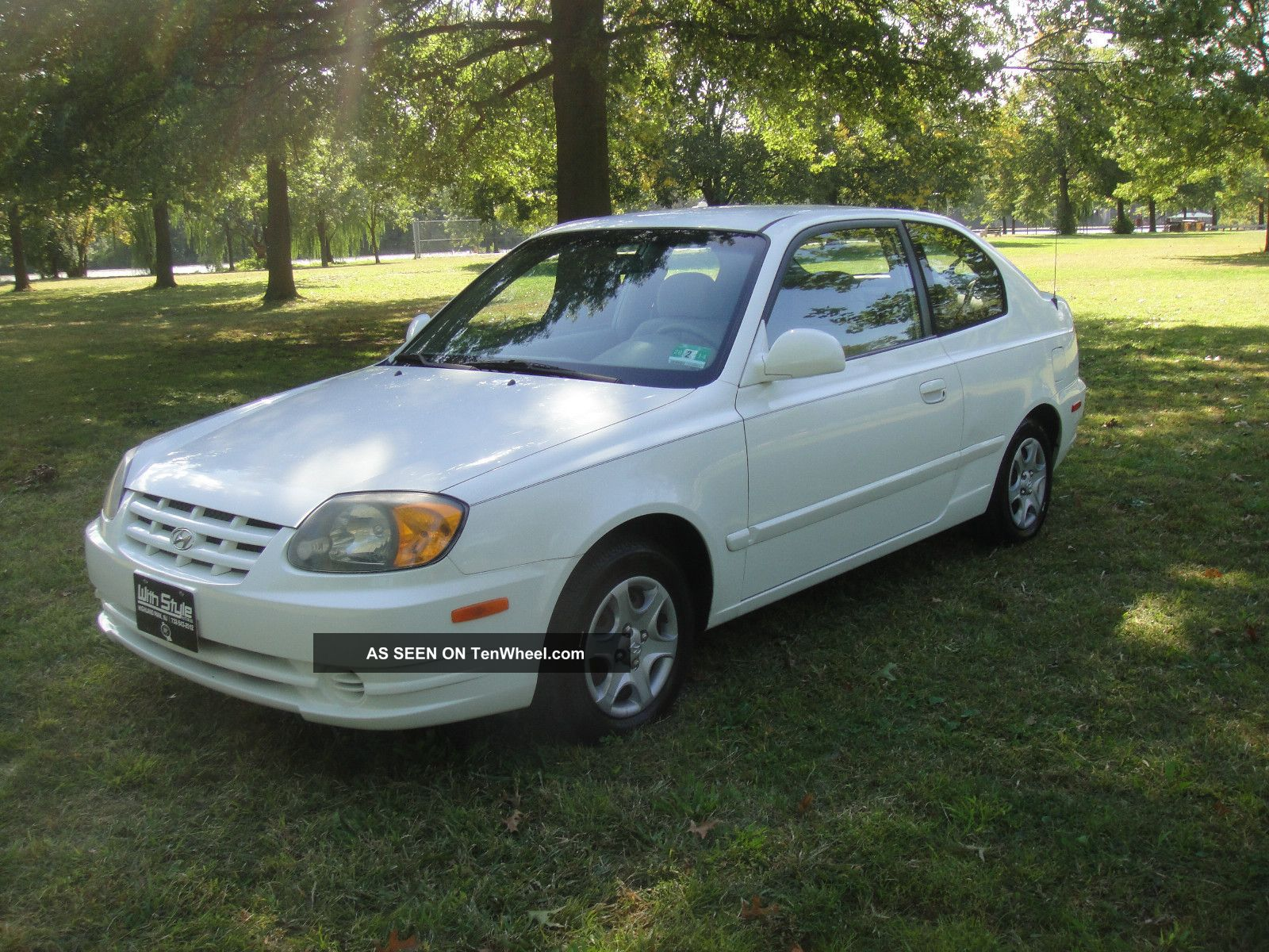 2005 hyundai accent gls hatchback 3 door 1 6l. Black Bedroom Furniture Sets. Home Design Ideas