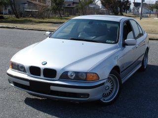 2000 Bmw 528i Sport Package photo