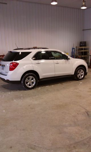 2011 Chevrolet Equinox Lt Sport Utility 4 - Door 2.  4l photo