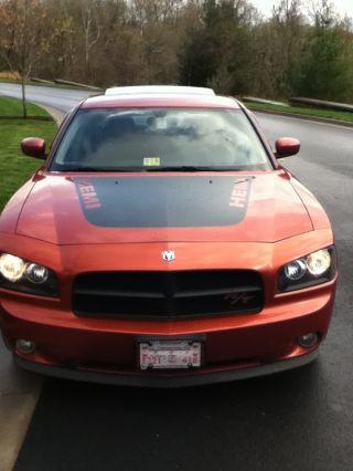 2006 Dodge Charger Daytona R / T Sedan 4 - Door 5.  7l photo