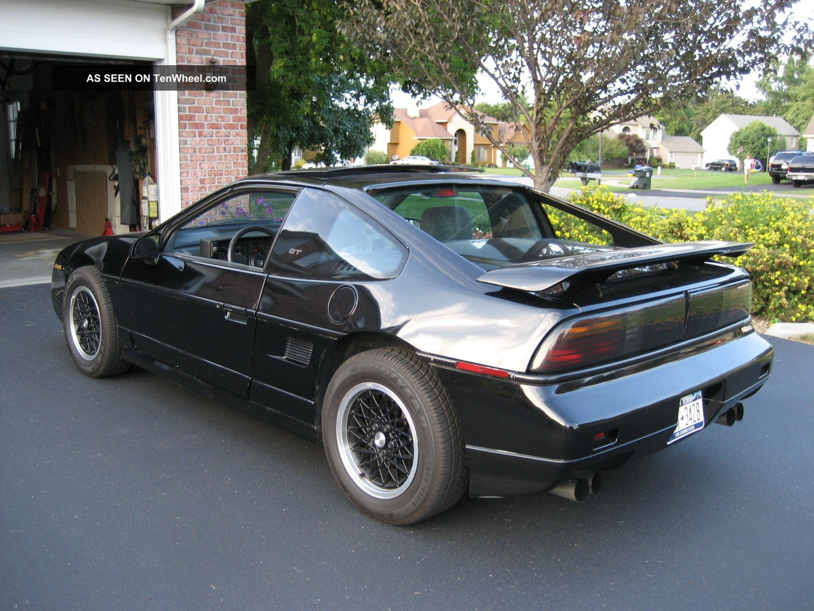 1988 Pontiac Fiero Gt Coupe 2 Door 2 8l