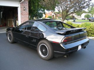 1988 Pontiac Fiero Gt Coupe 2 - Door 2.  8l photo