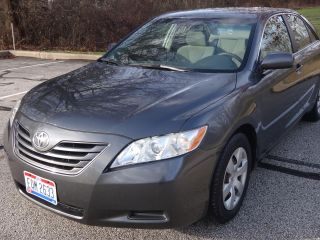 2007 Toyota Camry Le Sedan 4 - Door 2.  4l photo