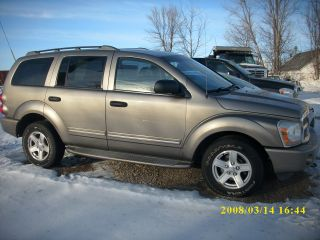 2004 Dodge Durango Limited Sport Utility 4 - Door 5.  7l photo
