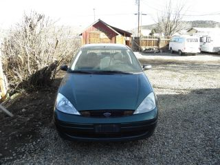 2001 Ford Focus Se Sedan 4 - Door 2.  0l photo