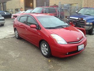 2006 Toyota Prius Base Hatchback 4 - Door 1.  5l photo