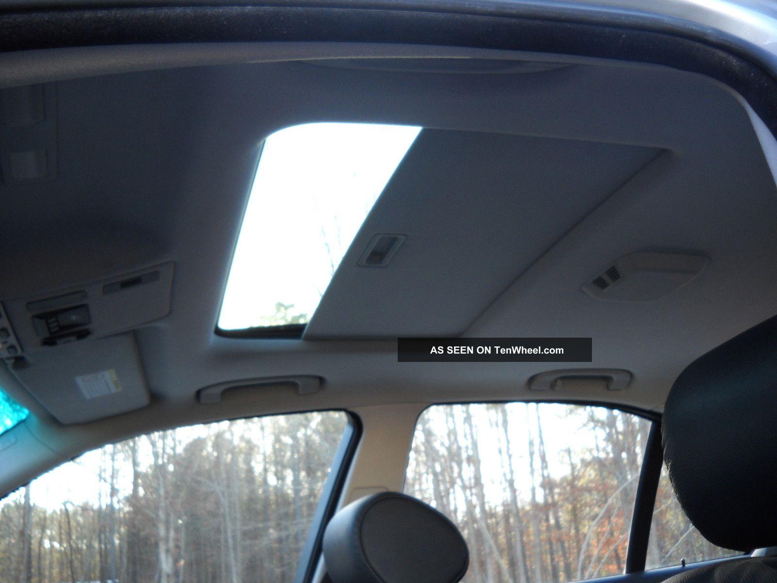 bmw  base sedan  door