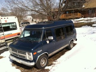 1990 Chevrolet G20 Sportvan Extended Passenger Van 3 - Door 5.  7l photo