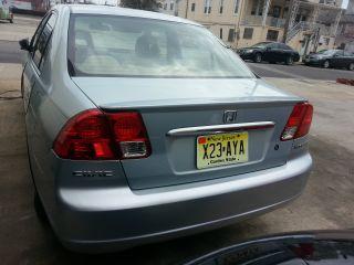 2003 Honda Civic Hybrid Sedan 4 - Door 1.  3l photo