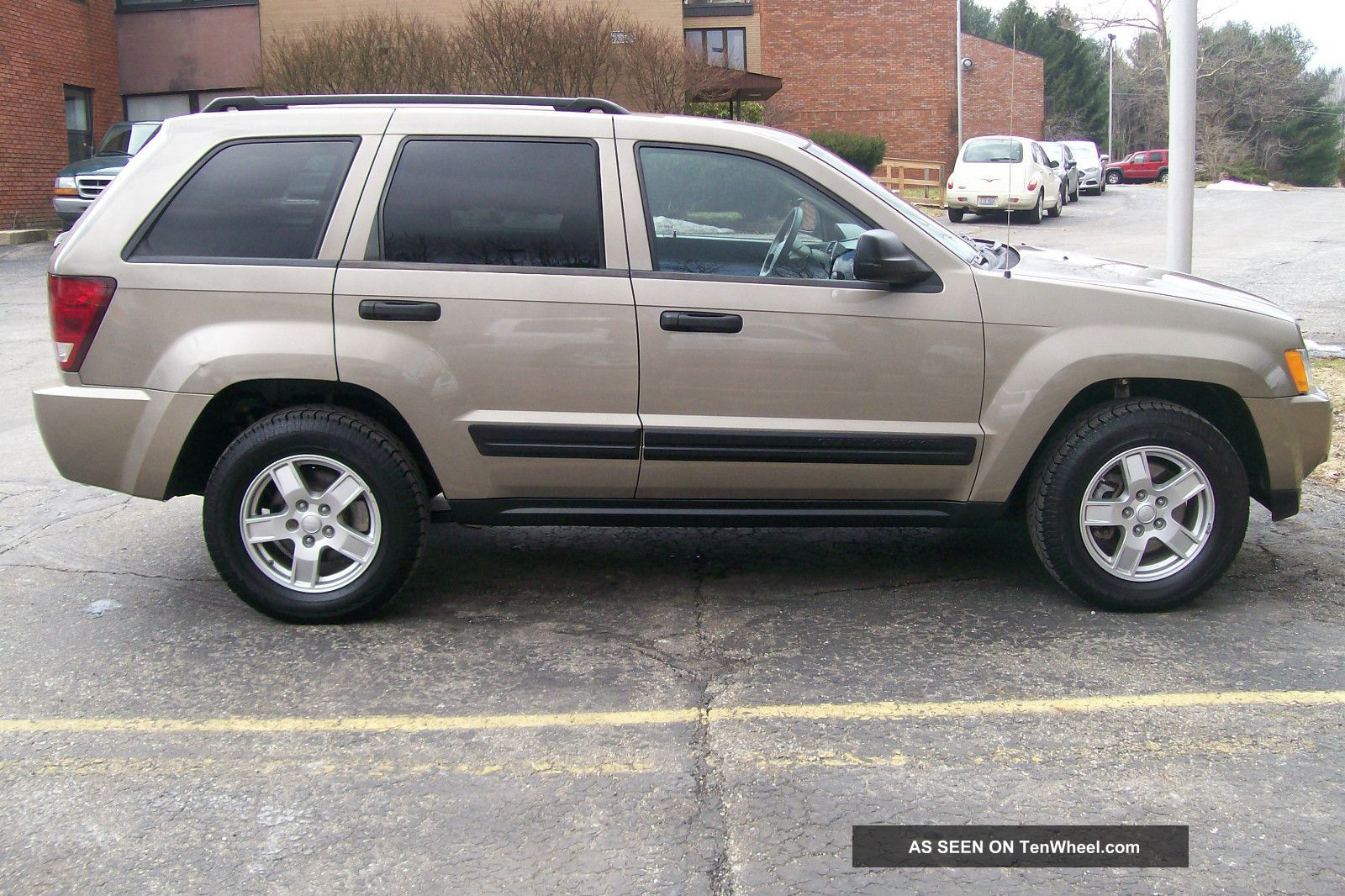 2006 jeep grand cherokee laredo sport utility 4 door 3 7l grand. Cars Review. Best American Auto & Cars Review