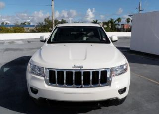 2011 Jeep Grand Cherokee Laredo 3.  6l X Package Touch Screen photo