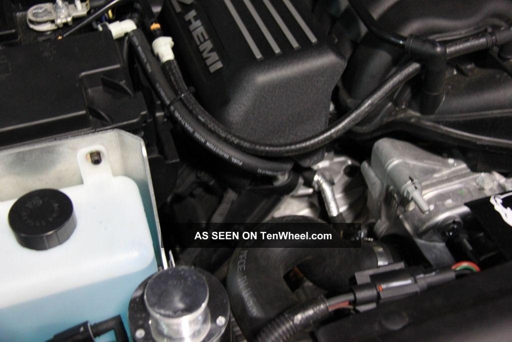 2013 Jeep Wrangler Unlimited Sahara Hemi V8 Bruiser