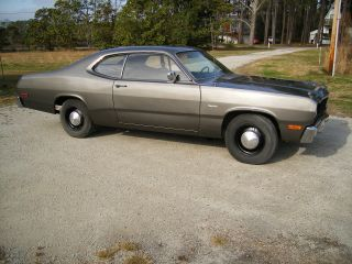 Plymouth Duster 1976 360 4 Speed 833 photo