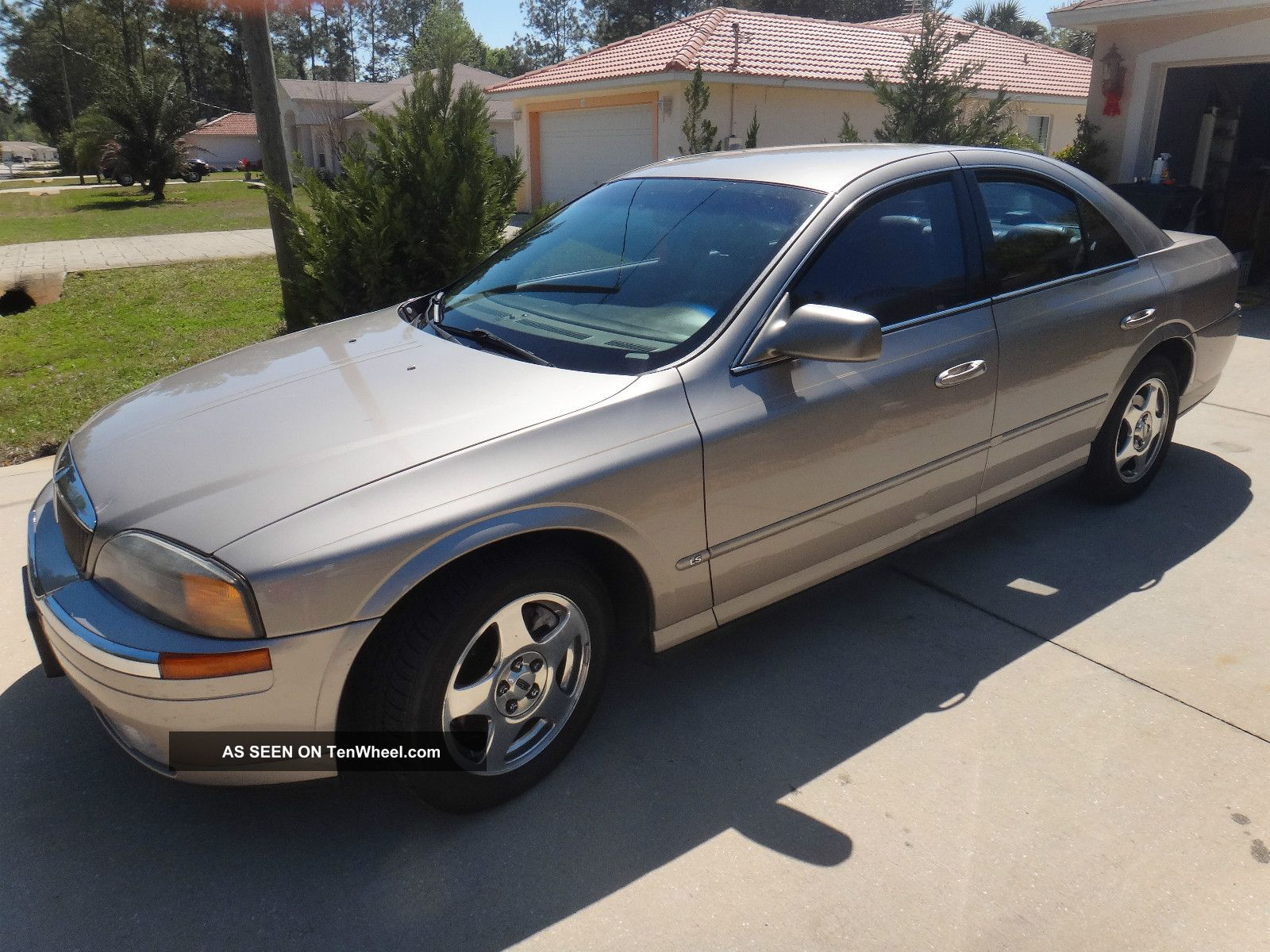 2001 Lincoln Ls Base Sedan 4 - Door 3.  0l LS photo
