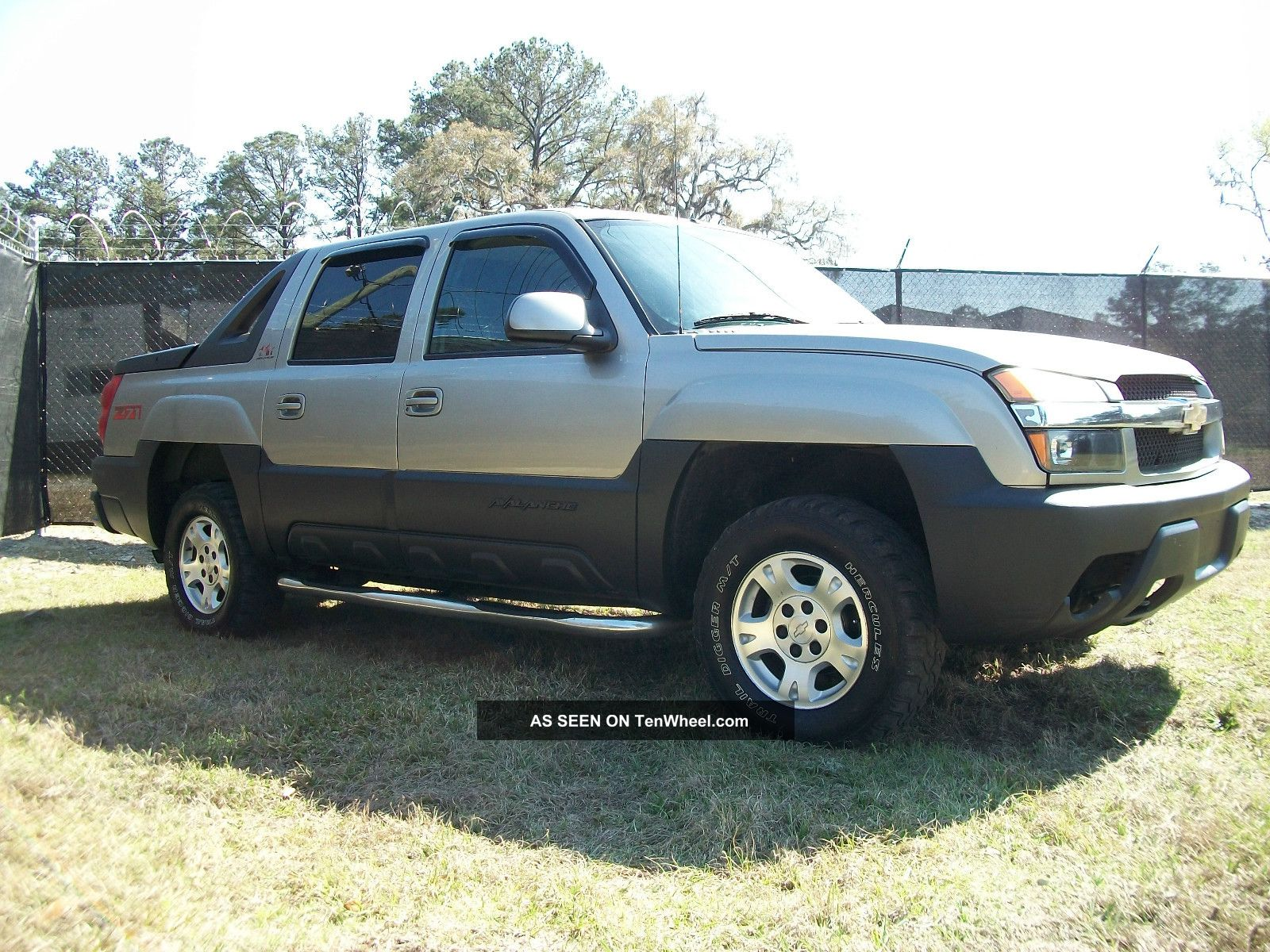 2003 chevrolet avalanche 1500 z71 crew cab pickup 4 door 5 3l. Black Bedroom Furniture Sets. Home Design Ideas