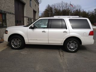 2010 Lincoln Navigator Limited Edition photo