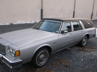 1986 Buick Lesabre Estate Wagon Hearse Short Body 3rd Row Seating Limo photo