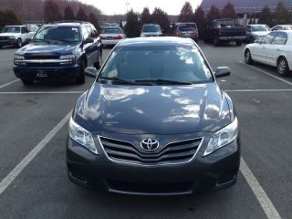2010 Toyota Camry Le photo
