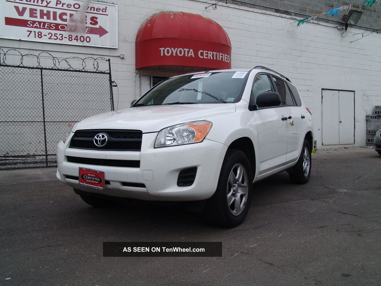 2010 Toyota Rav4 Base Sport Utility 4 - Door 2.  5l RAV4 photo