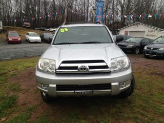 2005 Toyota 4runner Sr5 Sport Utility 4 - Door 4.  0l photo