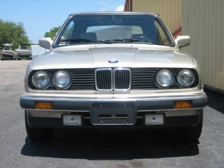 1987 Bmw 325i Base Convertible 2 - Door 2.  5l photo