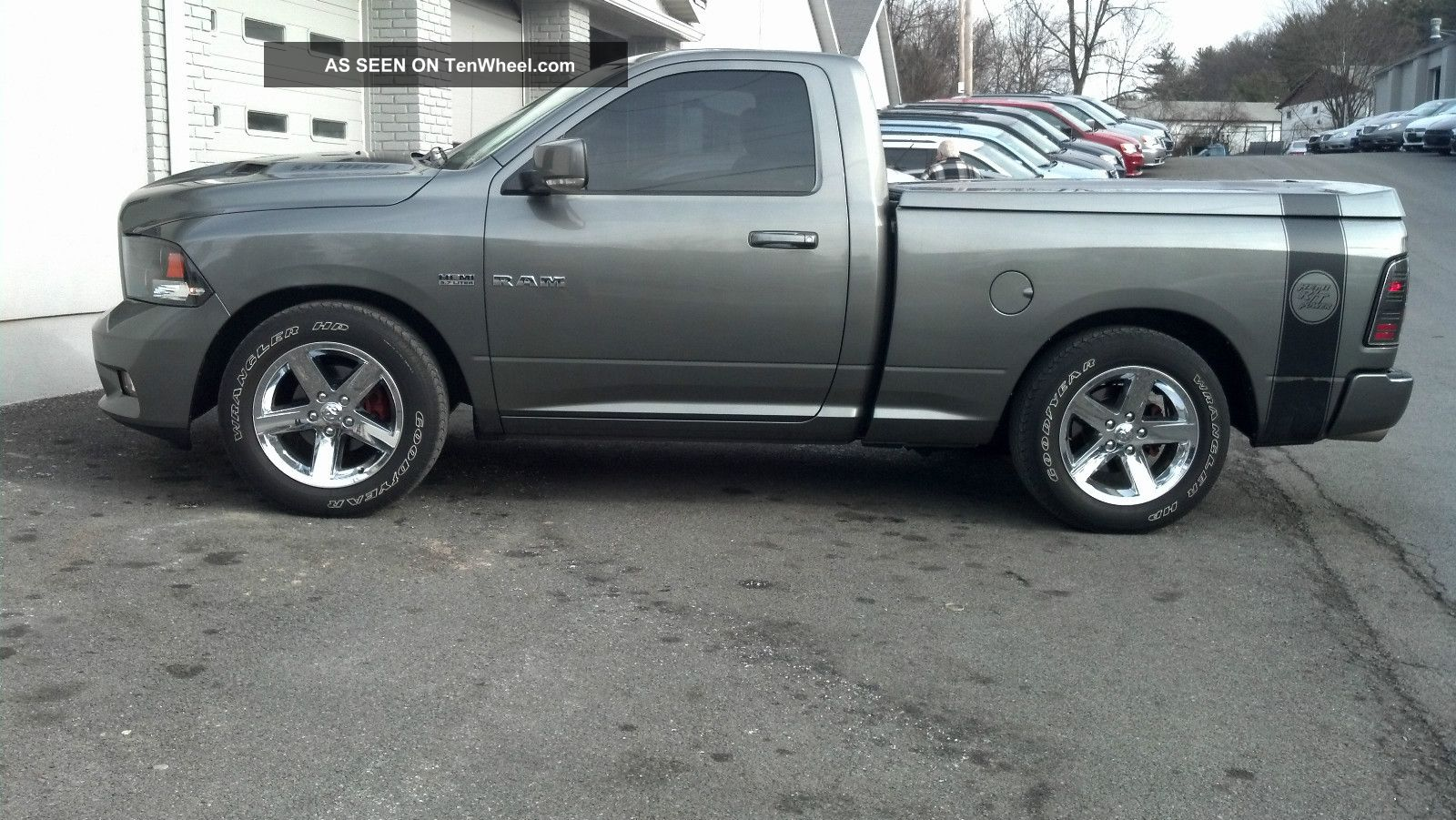 2010 dodge ram 1500 r t 4x2 hemi reg cab camera hard tonneau intake halo led. Black Bedroom Furniture Sets. Home Design Ideas