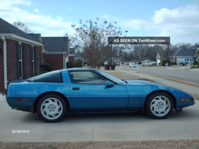 1992 Chevrolet Corvette Base Hatchback 2 - Door 5.  7l Corvette photo
