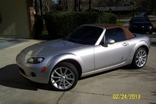 2006 Mazda Mx - 5 Miata Grand Touring Convertible 2 - Door 2.  0l photo