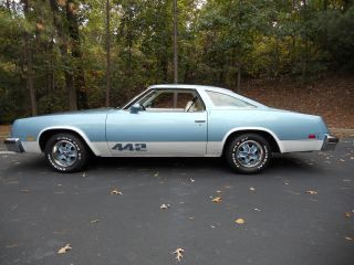1976 Oldsmobile 442 photo
